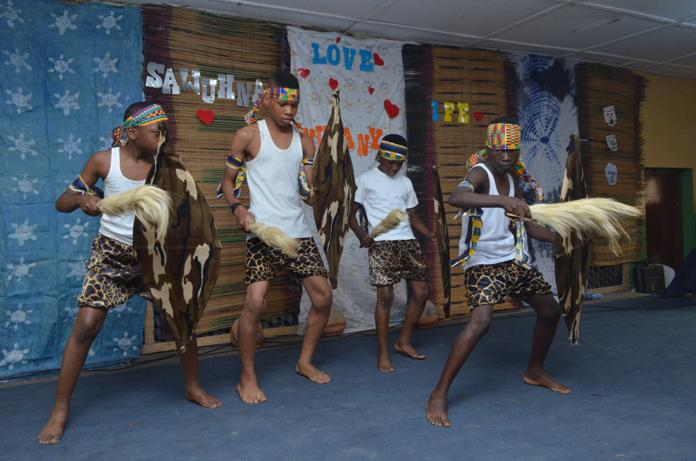 SOUTH AFRICAN DANCE GROUP